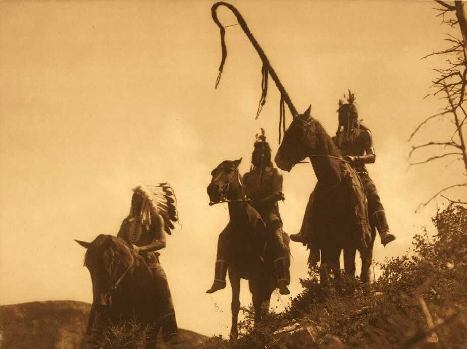 American Indians : Apsaroke War Group.