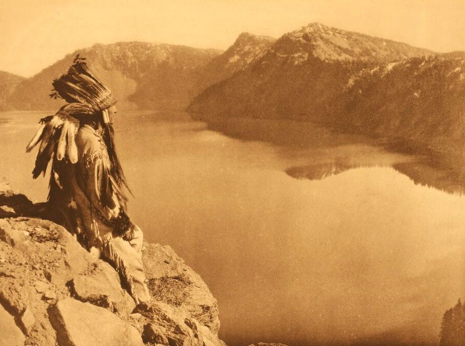 American Indians : Crater Lake.