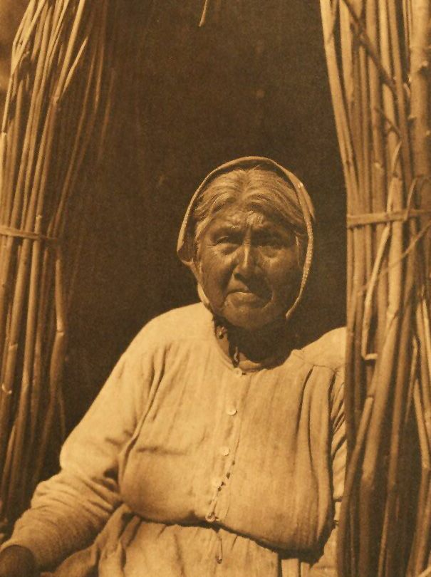 American Indians : Eastern Pomo Woman.