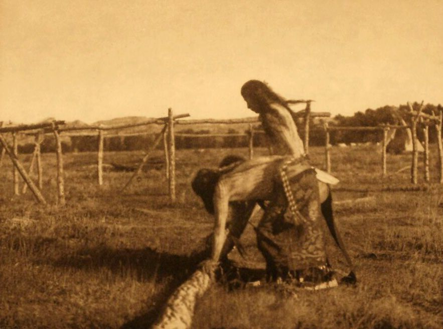 Painting The Poles - Cheyenne.