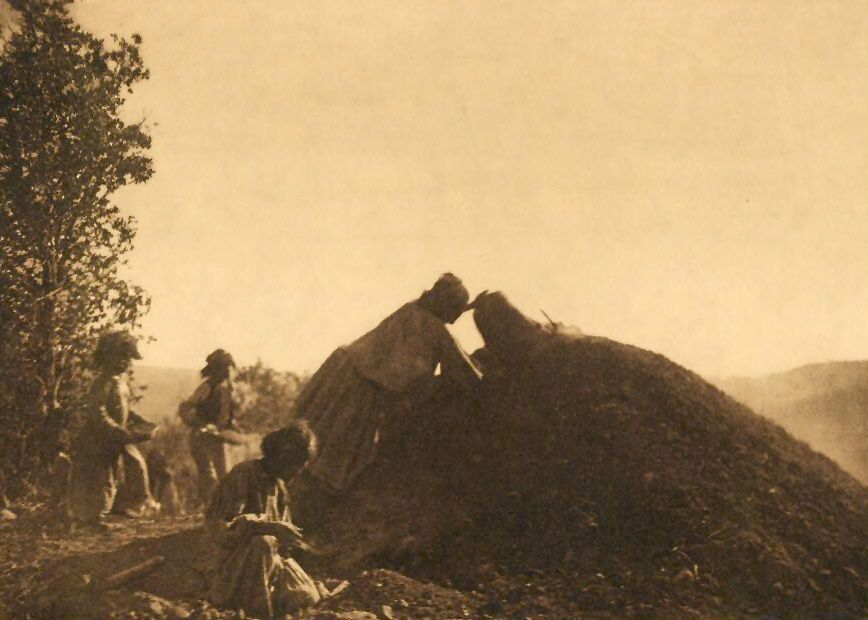 A Photograph of The Covered Pit [Apache].