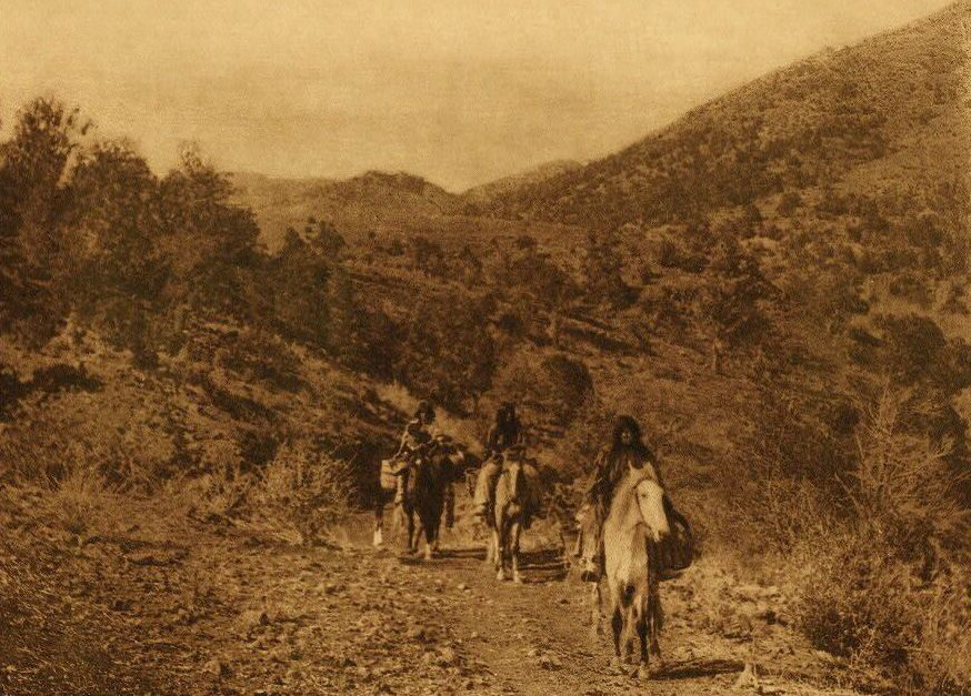 A Photograph of White River Valley [Apache].