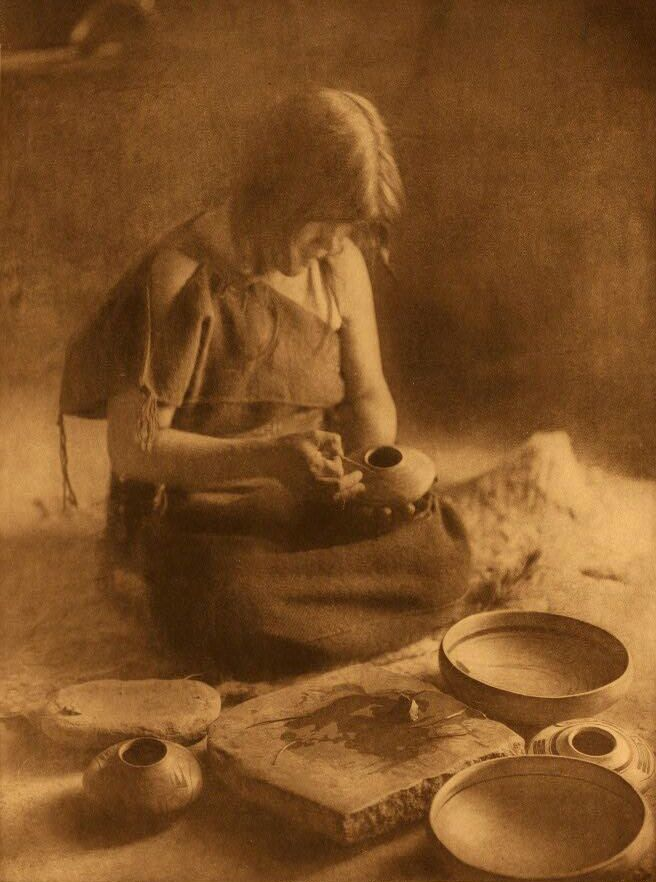 A Photograph of A Potter.