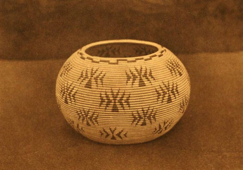 American Indian Pottery and Basketry : A Washo Gem.