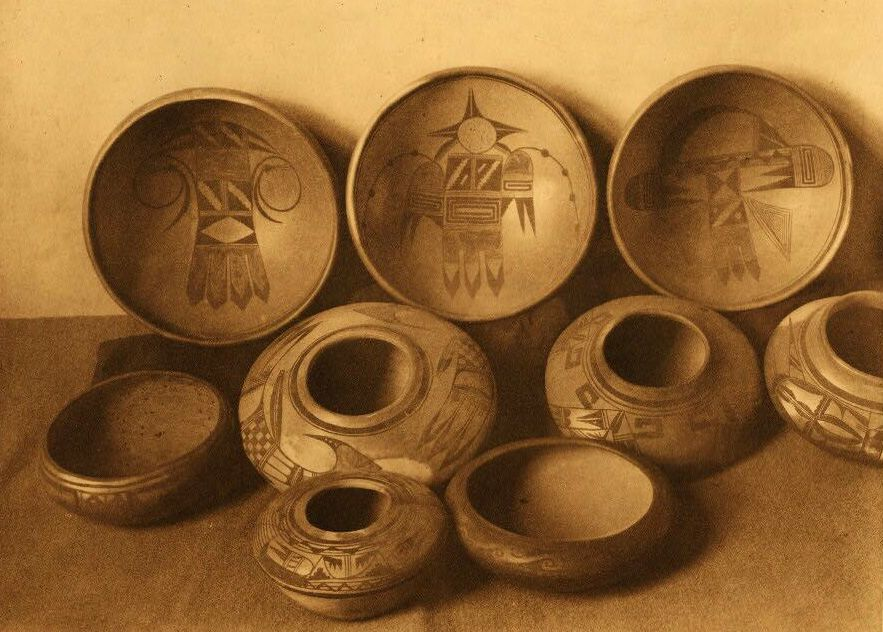 American Indian Pottery and Basketry : East Mesa Pottery.