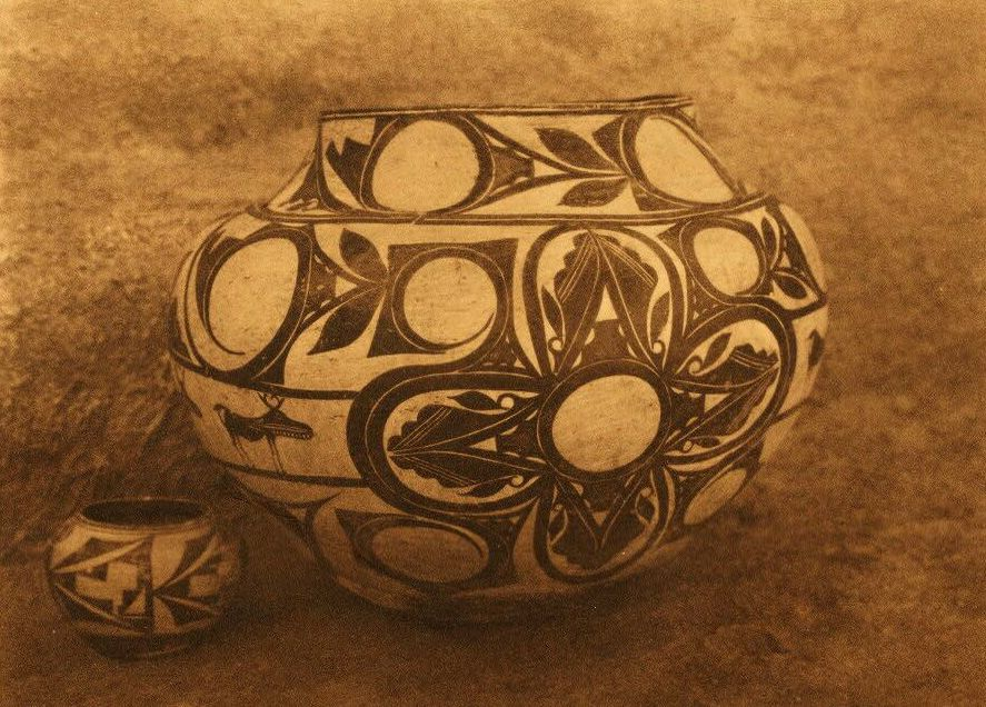 American Indian Pottery and Basketry : Laguna Water Jar.