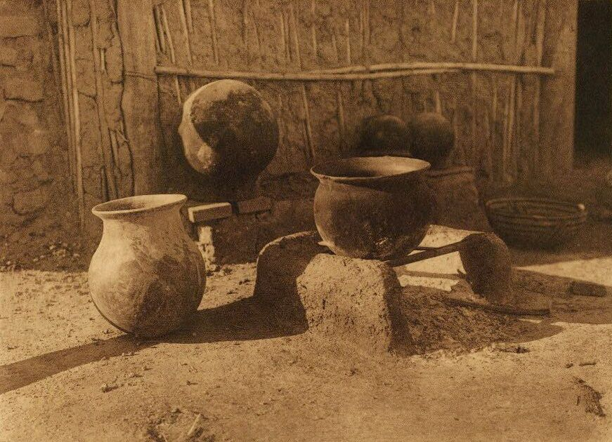 American Indian Pottery and Basketry : Papago Kitchen.