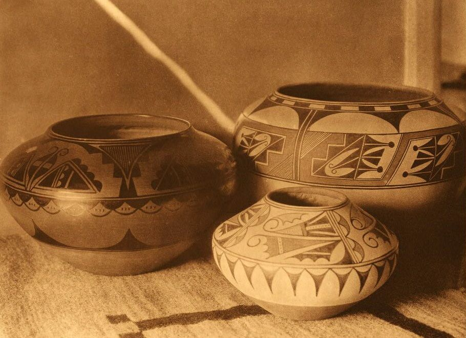 American Indian Pottery and Basketry : San Ildefonso Pottery.