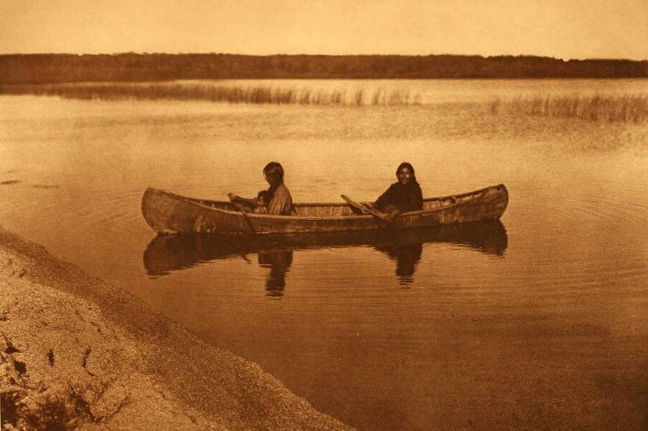 American Indian canoe photograph : A Cree Canoe on Lac Les Isles.