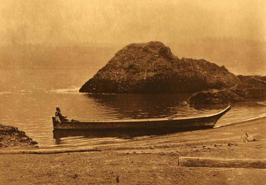 American Indian canoe photograph : Columbia near Wind River.