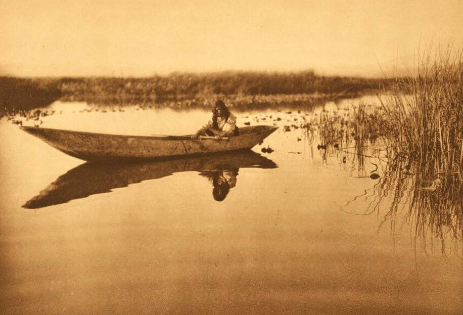 American Indian canoe photograph : Klamath Lake Marshes.