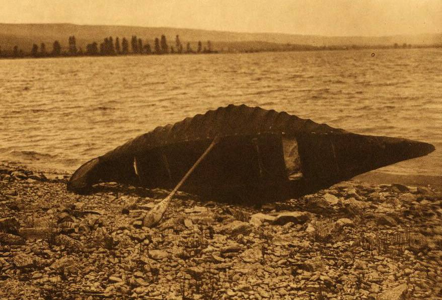American Indian canoe photograph : A Kutenai Canoe.