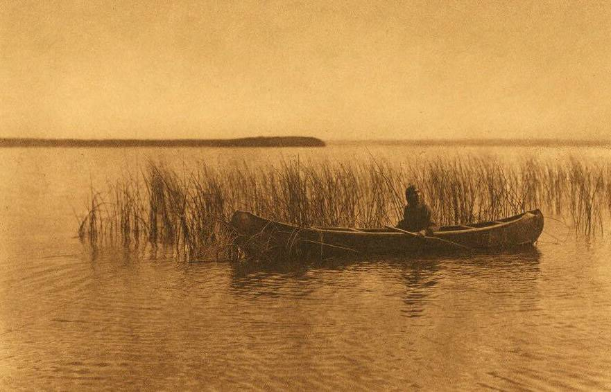 American Indian canoe photograph : Cree at Lac Les Isles.