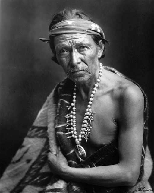 An old photograph of a Navajo Indian [M].