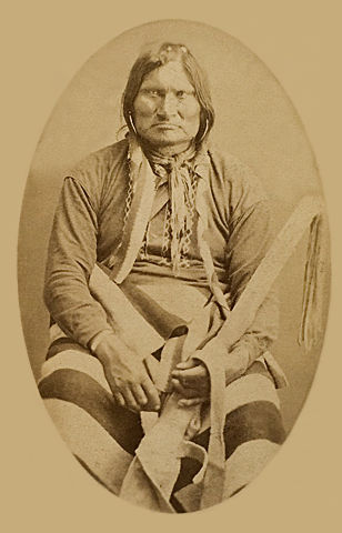 An old photograph of a Sioux Indian Man.