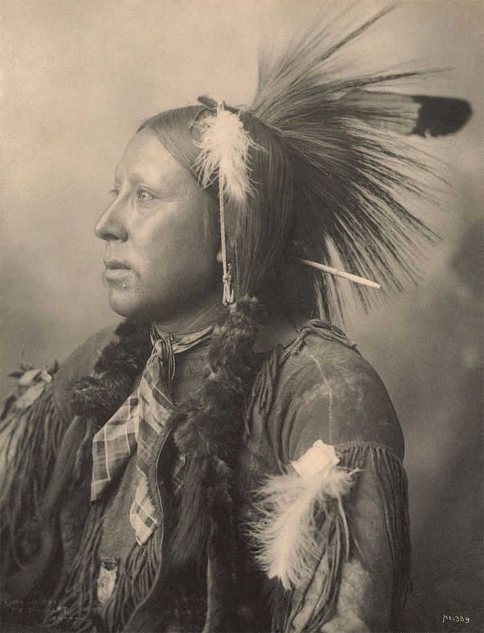 An old photograph of an Unidentified Native American [J].