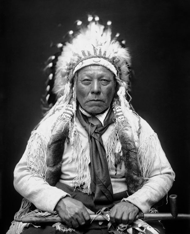 An old photograph of Bear Man - Southern Cheyenne 1924.
