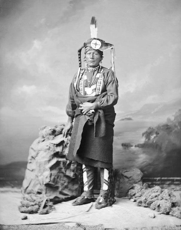 An old photograph of Black Crow - Ponca 1877.