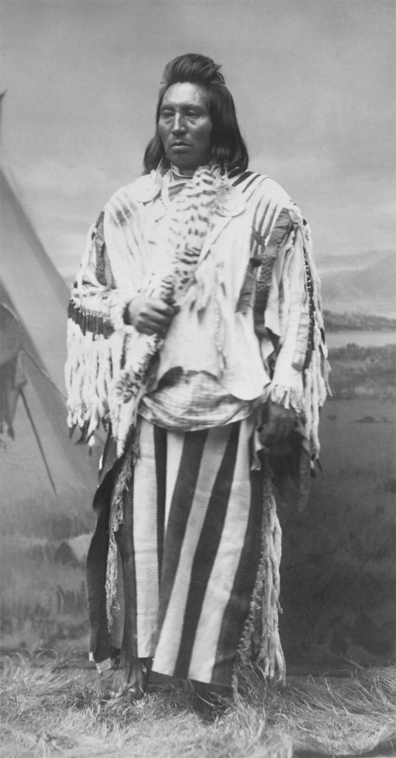 An old photograph of Chief Wolf Necklace - Paloos.