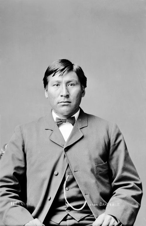An old photograph of Face - Sisseton 1880.
