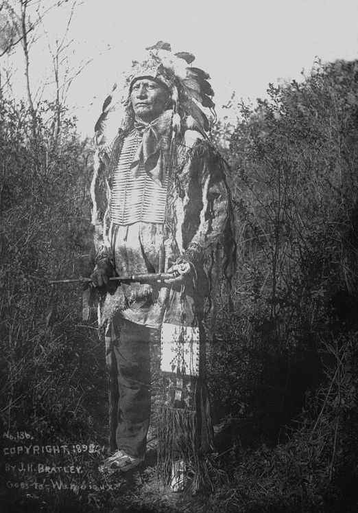 An old photograph of Goes To War - Oglala 1898.
