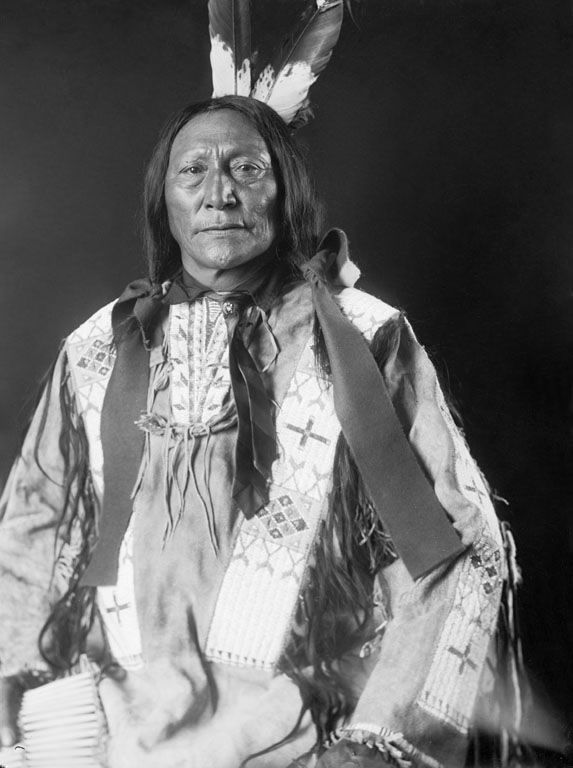 An old photograph of Hollow Horn Bear aka Mato He Oklogeca - Brule Sioux Chief 1909.