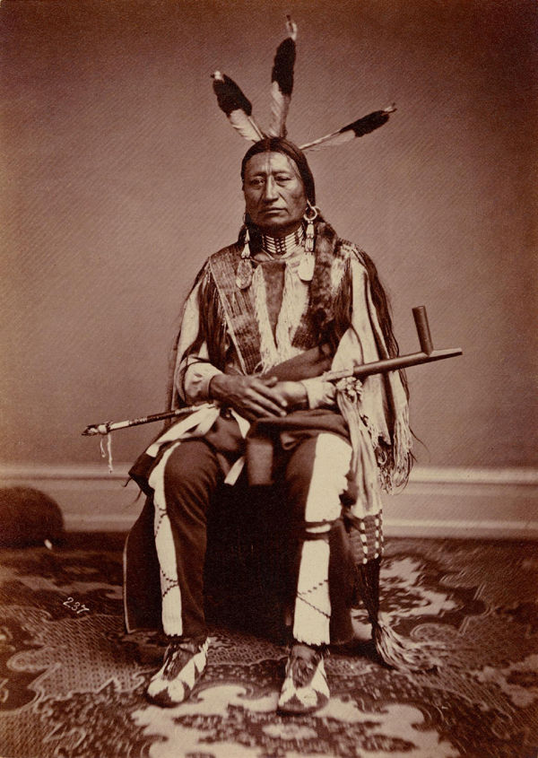 An old photograph of Iron Nation aka Ma'-Zu-Oya'-Te - Brule 1867.