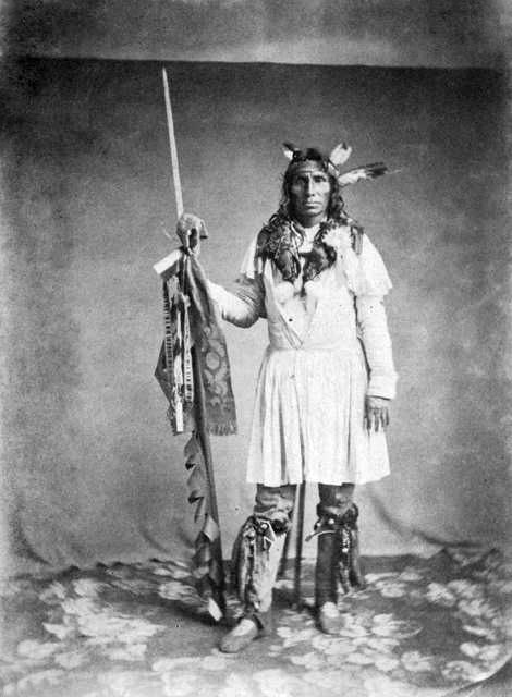 An old photograph of Little Crow aka Hawk That Hunts Walking aka His People Are Red - Mdewakanton 1858 [B].