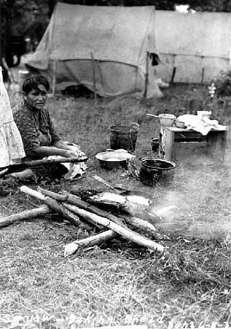 An old photograph of Making Fry Bread.