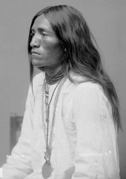 An old photograph of No-talq Chiricahua - Apache 1886.