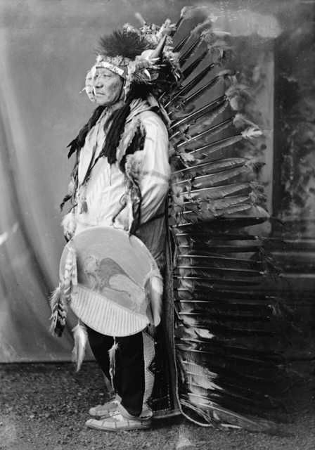 An old photograph of Painted Horse - Oglala c1880.