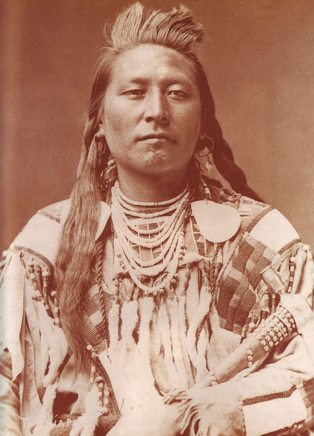 An old photograph of Plenty Coups aka Yshidiapas aka Aleek-chea-ahoosh - Crow Chief [A].