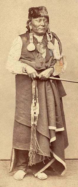 An old photograph of Red Dog - Oglala 1870.
