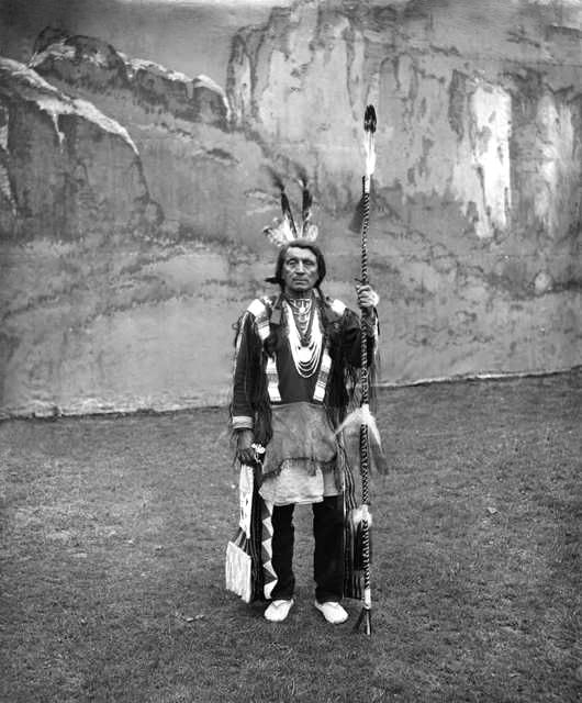An old photograph of Red Shirt - Oglala 1909.