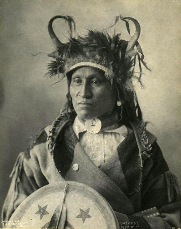 An old photograph of Wetsit - Assinaboine Chief 1898.