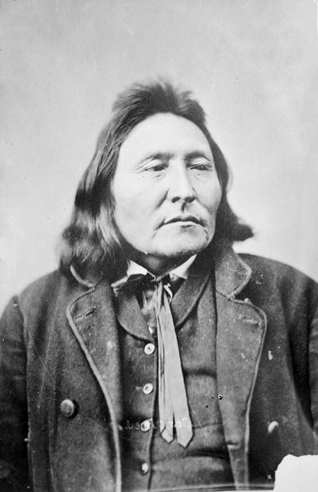 An old photograph of Yellow Hawk - Sans Arc 1869.