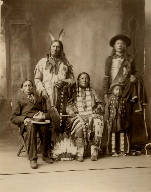 American Horse and family - Oglala 1898.