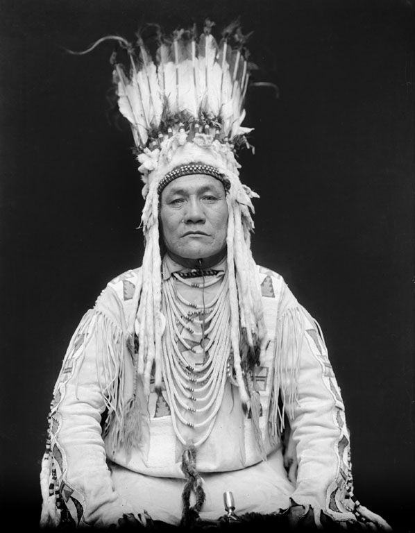 An American Indian called Bird Rattler of the Blackfoot Nation 1916.