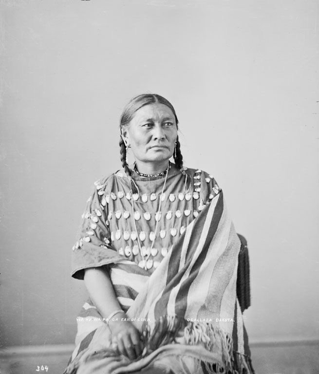 Ear of Corn (wife of Lone Wolf) - Oglala 1872 (b).