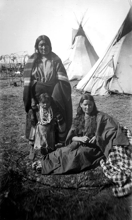 American Indians : Two women and child - Arapaho 1893.