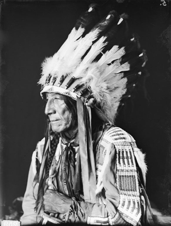 American Indians : White Frog - Cheyenne 1907.