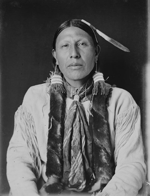 American Indians : Wolf In The Middle - Cheyenne 1908.