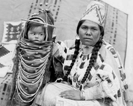 Mother [Wo-Ho-Pum] and Child - Walla Walla.