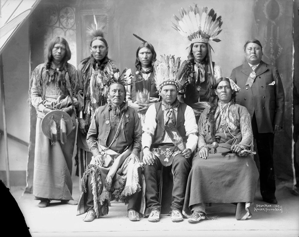 a look at early american indians Five myths about american indians down to share venison with some of america's original inhabitants relied on a raft of misconceptions that began as early.