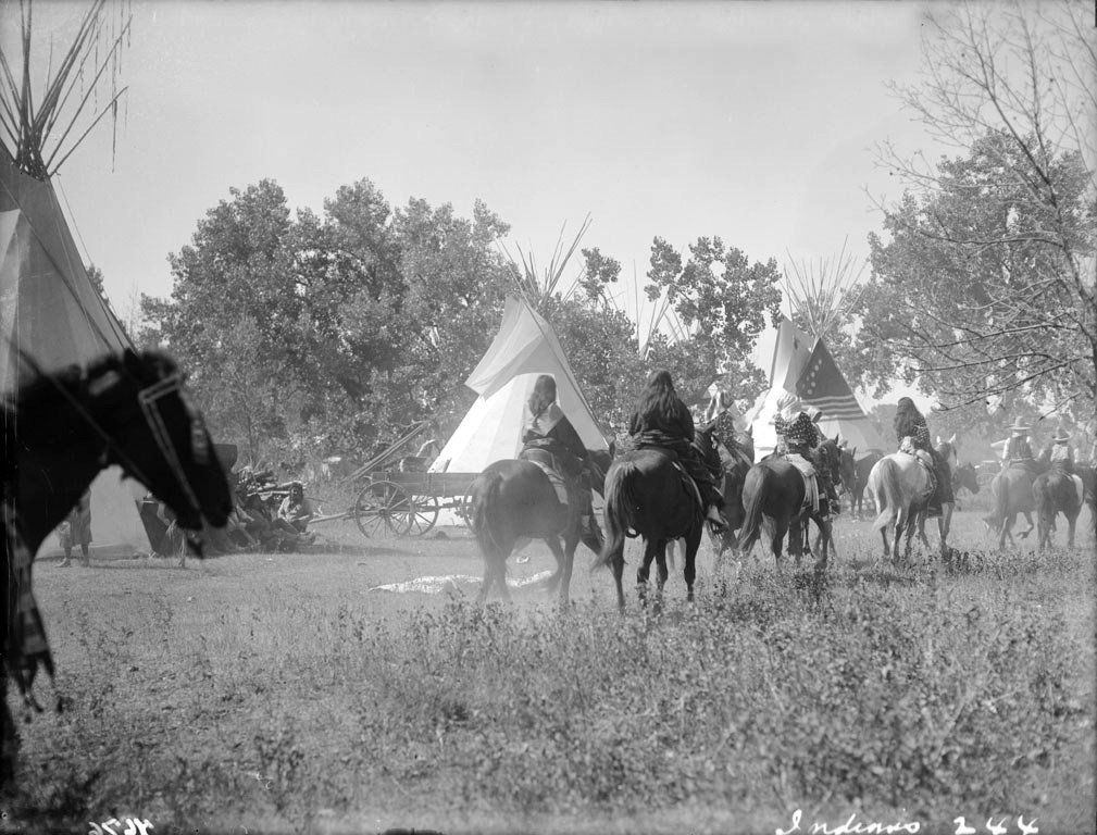 American Indians : Crow Camp 1910.