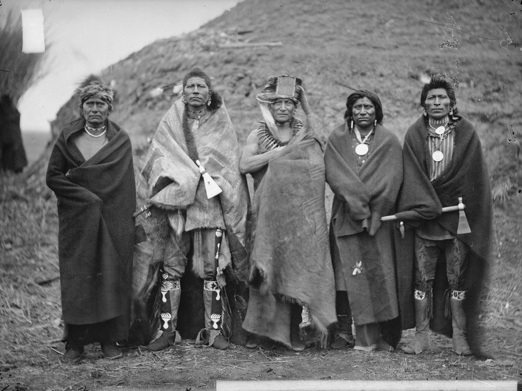 American Indians : Group of 5 Pawnee Men 1868.