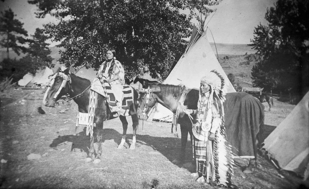 American Indians : Nez Perce Couple 1900.