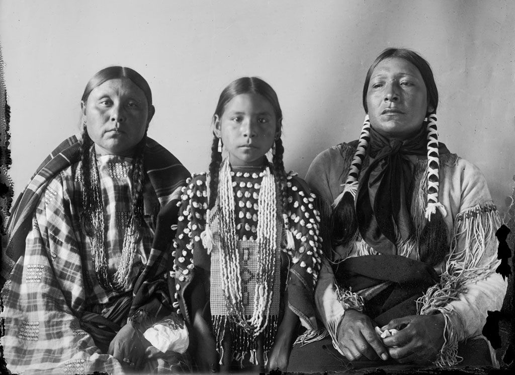 Scabby, wife Walking Woman, daughter Bear Woman - Cheyenne 1908