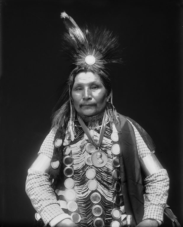 American Indians : Ah Bow E Ge Shig (William Potter) - Ojibwe 1911.