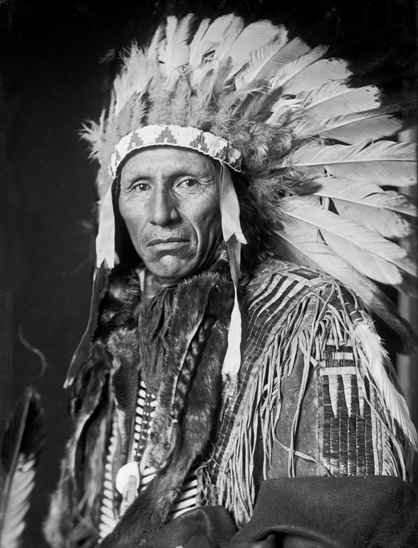 American Indians : Eagle Dog - Yankton Dakota 1908.